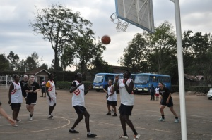 our impromptu bball game yesterday--see what I mean about height!